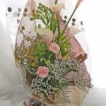 ピンクカラーとチューベローズの花束