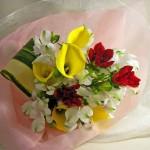 カラーとダリアの花束