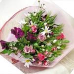 マーガレットとアルストロメリアの花束