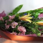 ショウブとアルストロメリアの花束