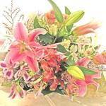 百合とアルストロメリアの花束