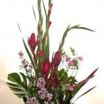 ワックスフラワーと秋明菊、ワックスフラワーのアレンジメント
