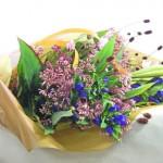 ワックスフラワーとフジバカマの花束