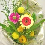 カレンデュラとガーベラの花束