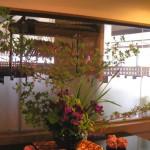花菖蒲とドウダンツツジ