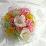 プリザーブドフラワーのバラと花水木のブーケ