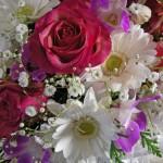 バラとガーベラのアレンジメント