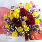 ヒイラギとリューココリーネの花束