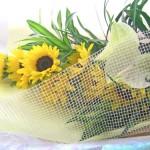 ヒマワリとアンスリウムの花束