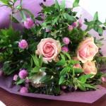 ガーベラとマートルの花束