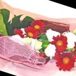 ガーベラとトルコキキョウの花束