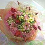 ガーベラとストロベリーキャンドルの花束