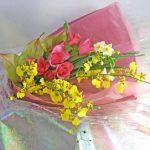 アンスリウムと水仙の花束
