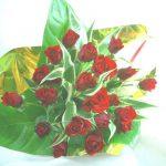 アンスリウムとアンスリウムの葉の花束