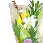 葉ボタンとアンスリウムの花束