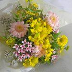 ヘレニウムとフジバカマの花束