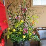 ストレリチアと女郎花のアレンジ
