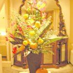 ストレリチアとカボチャのアレンジ