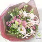 トルコキキョウとイブニングスターの花束