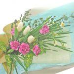 ユーカリと日本水仙の花束