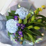 紫陽花と都忘れの花束