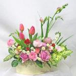 ラナンキュラスと春のお花のアレンジメント