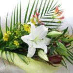 グロリオーサと百合の花束
