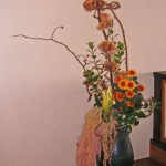 コットンツリーと柊を使ったアレンジ
