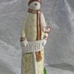 ヒイラギがついた陶器のスノーマン~noel