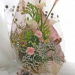 チューベローズとカラーの花束