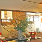 枝垂れ柳と竹のアレンジ
