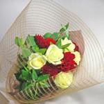 マウンテンミントとダリアの花束