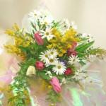 ミモザとマーガレットの花束