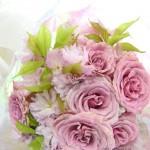 提灯桜とバラの花束