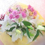 百合とカーネーションの花束