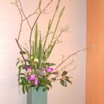 銀葉と花菖蒲のアレンジ