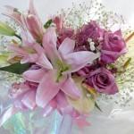 1アンスリウムと百合の花束