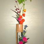 ホオズキと紅葵(ローゼル)のアレンジ