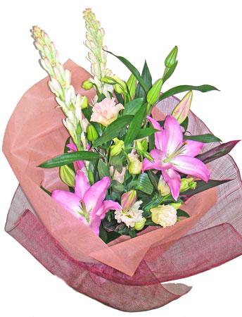 チューベローズと百合の花束