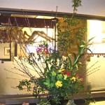 菜の花とグロリーサのアレンジ