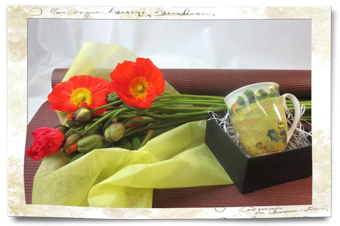ポピーの花束とモネのマグカップ