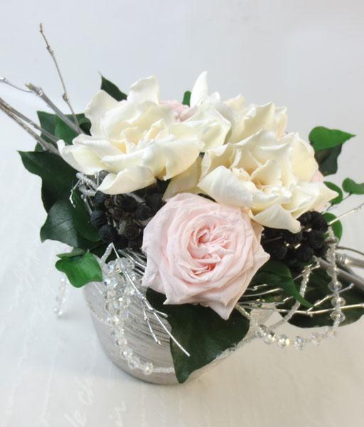 プリザーブドフラワーのクチナシのアレンジメント〜Gardenia