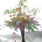 桜桃「佐藤錦」とオンシジウム「シャーリーベイビー」のアレンジ