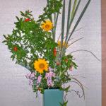 花ザクロと向日葵のアレンジ