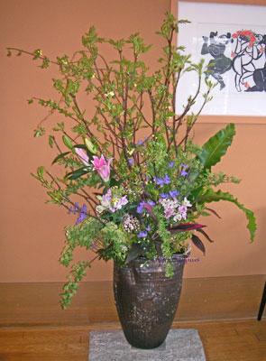 ナナカマドと木香薔薇